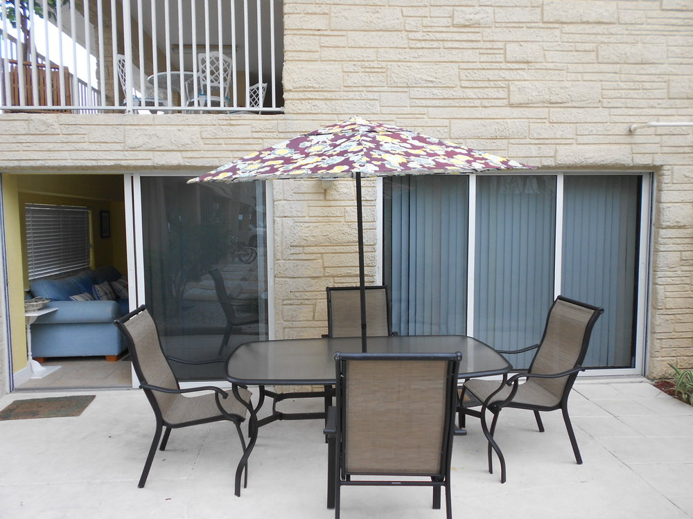 patio area from living and reading room.JPG