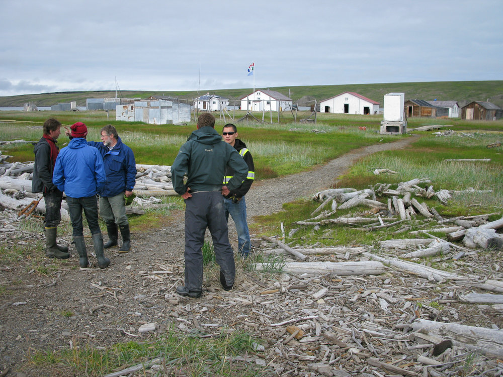 Scientists and park rangers meet at Pauline Cove