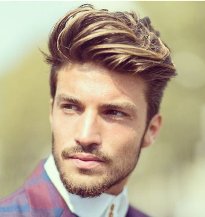 man highlighted hair