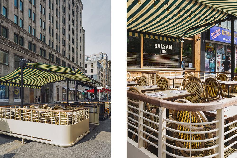 Terrasse extérieur d'un restaurant au centre-ville de Montréal. Auvent en toile blanche et verte avec structure construite en Ipé et en acier peint blanc cassé à la main.