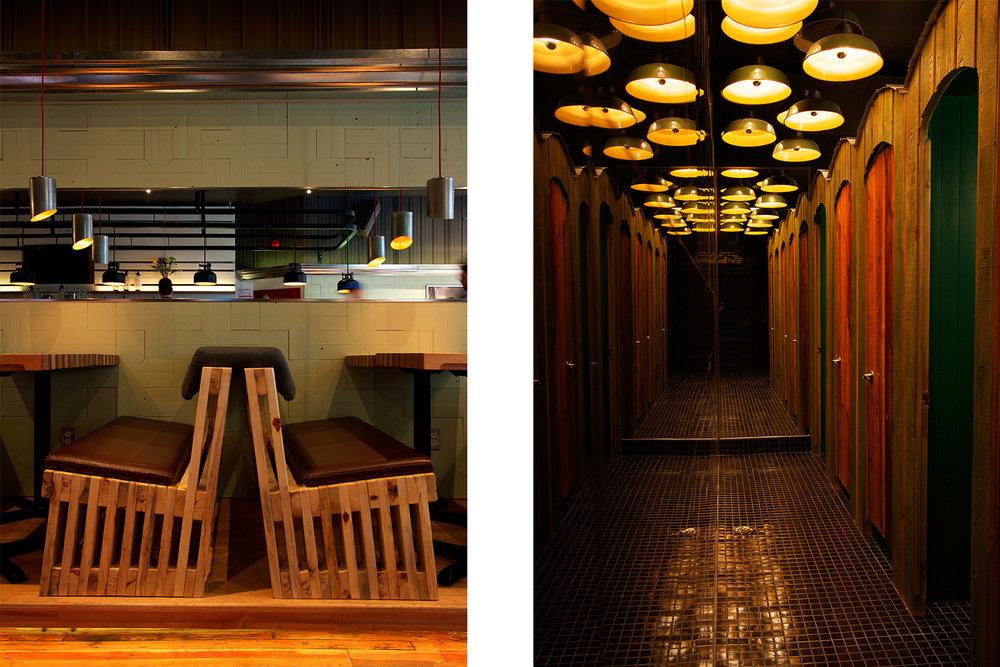 Détail du profil de la banquette fait de lattes de bois brut avec assise en cuir. Vue du couloir des toilettes avec grand miroir et portes de bois. Sol en mosaïque et lampes industrielles