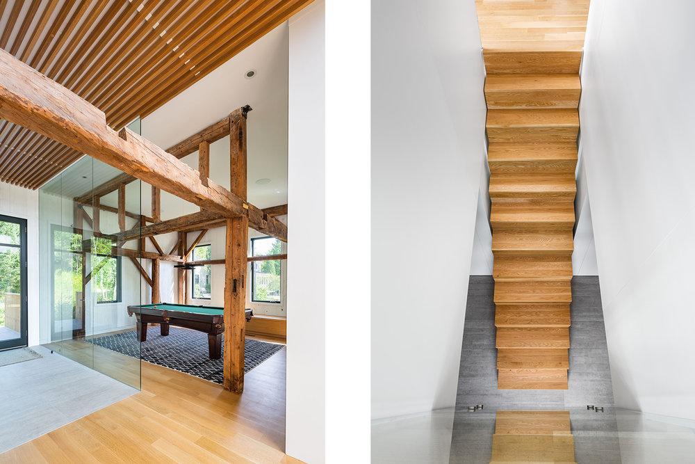 Salle de jeux avec table de pool dans un chalet. Paroi vitrée pleine hauteur. Ancienne structure de la grange en bois apparente. Escalier en chêne blanc menant au sous-sol, plancher de béton.