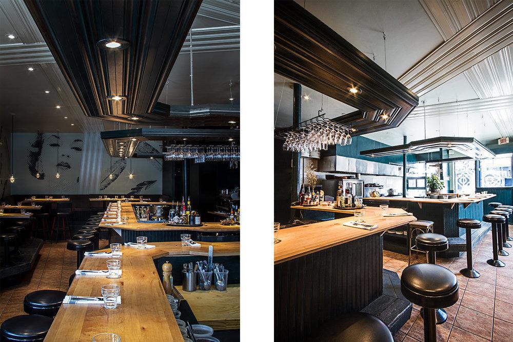 Vue du bar fini érable et lambris vert foncé vertical. Moulures décoratives finies lustrées suspendues au-dessus du comptoir avec éclairage intégré. Mural avec motif pixelisées en arrière-plan.