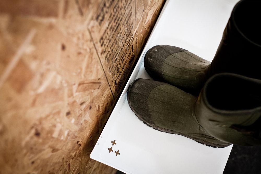 Support à chaussure perforé pour l'écoulement de l'eau