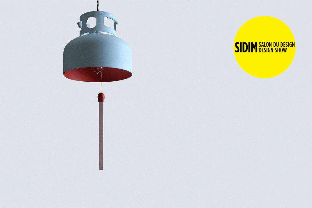Une lampe conçue à partir d'un réservoir de propane. Elle propose un regard ironique sur le développement de l'éclairage et notre relation aux combustibles.