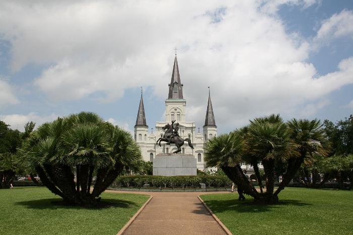 New-Orleans_Trvl Porter.jpg