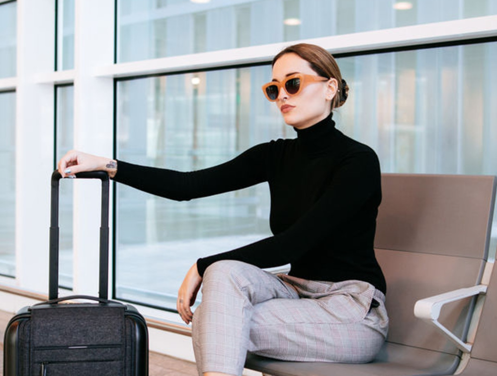 TRVL PORTER SENDS OUTFITS TO YOUR HOTEL, SO YOU DON'T EVEN NEED A SUITCASE - View the Trvl Porter article on Elite Daily.