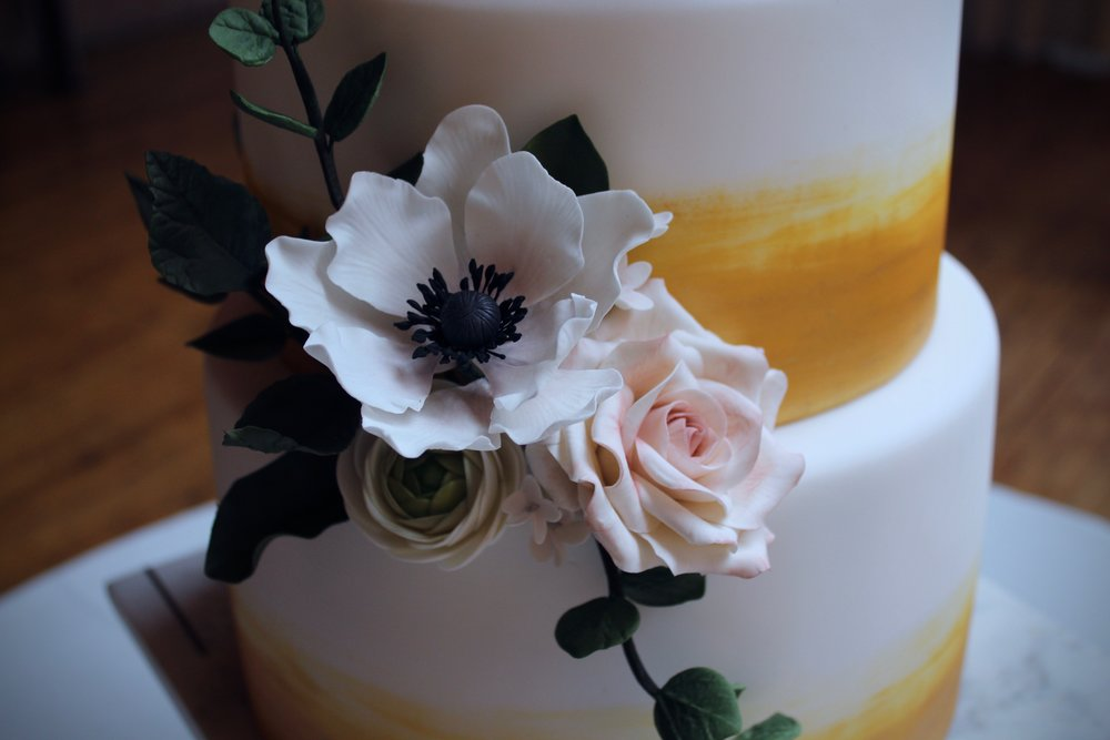 Ink Sweets | Wedding Cake Artist | Twin  Cities | Vendor Highlight | Laine Palm Designs.jpg