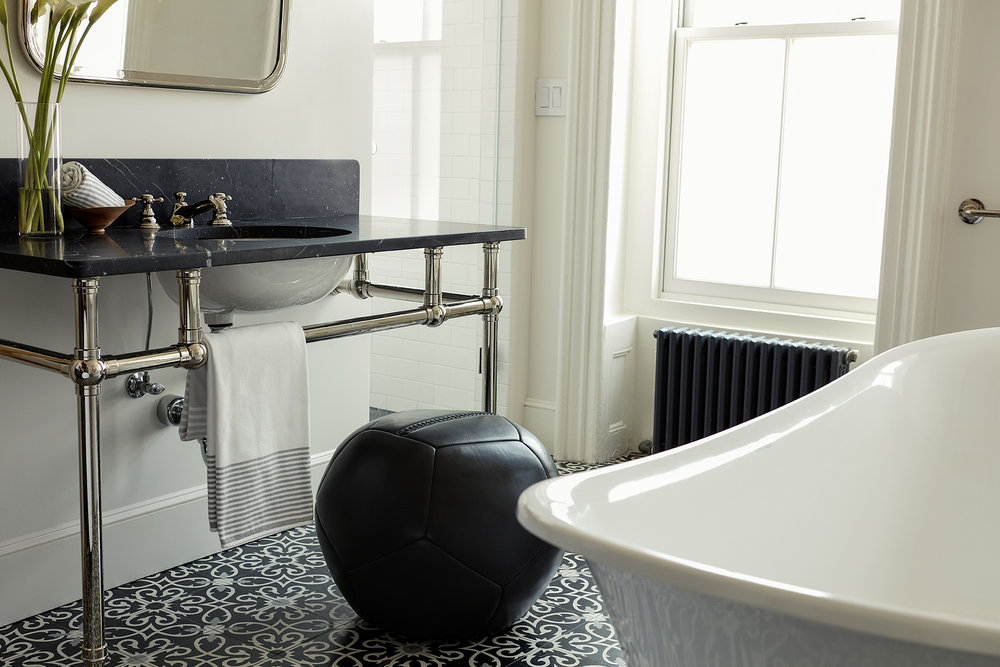 Queen Ottoman  in Black Leather : Nicole Watts Studio - Park Slope Townhouse | Photo: Josephine Rozman