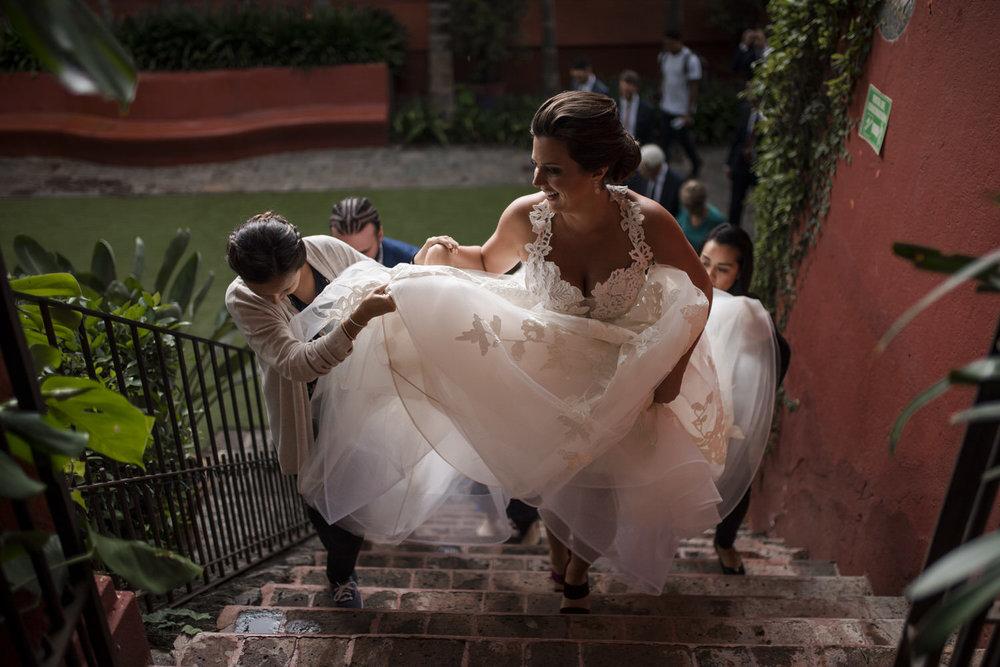 bride in casa hyder