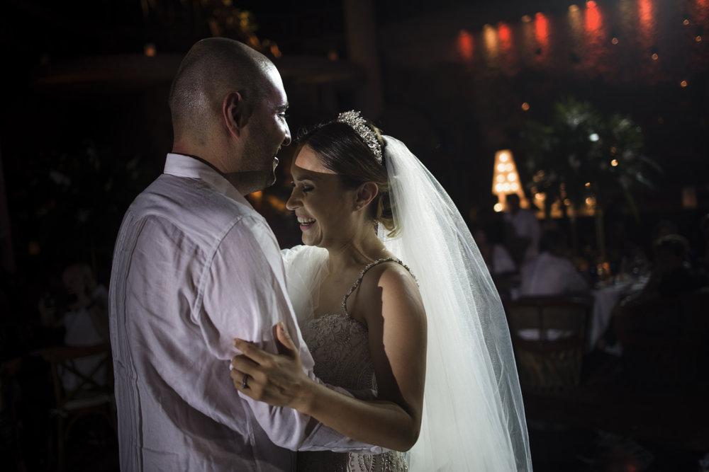 ALE & PEDRO - WEDDING GALLERY