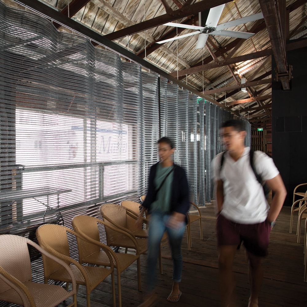 Kaynemaile Custom folding screen for Shed 10 Auckland