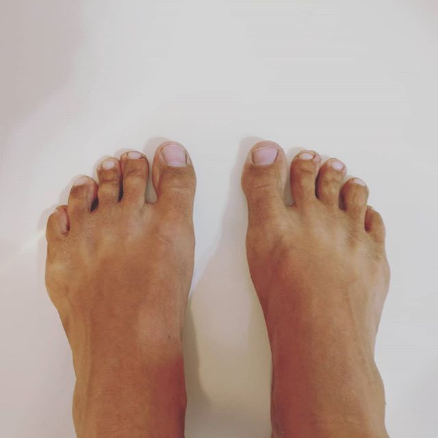 Leftover summer tan lines. A nice layer of dirt from hiking in flip flops. Strong and flexy from plenty of yoga.  I like my weird feet. 😁💚 #dirtbag #flipflops #minimalistfootwear #wildwoman #thesefeetweremadeforwalking #timeforapedi #sotiredsohappy