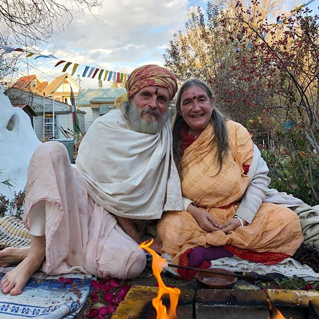 Happy Birthday, Alakananda Ma! ⠀⠀⠀⠀⠀⠀⠀⠀⠀⠀⠀⠀ ✨May your blessings be many The sun shine above you  Your life bring you gladness And always  God love you!✨ ⠀⠀⠀⠀⠀⠀⠀⠀⠀⠀⠀⠀ #birthday #alakanandama #alandi #solarreturn #celebration #love #god #om #ayurveda #boulder #colorado