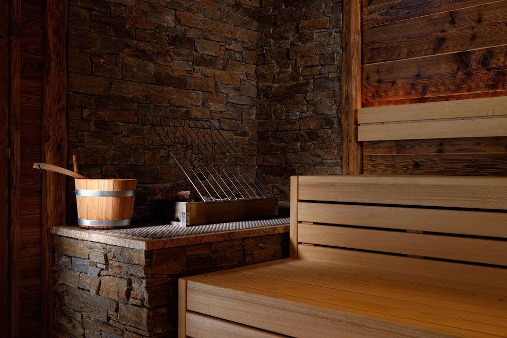 Philippe_Hahn_Sauna_Hotel_Aspen.jpg
