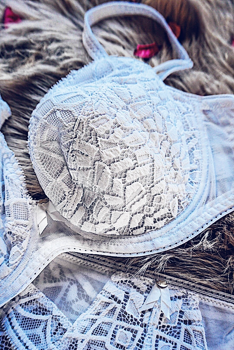 FREYA LINGERIE, Soiree Lace collection, Fashion Blogger, Valentine's Day, Marissa Galle