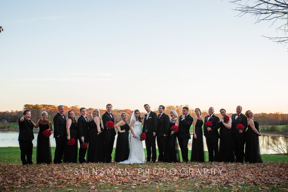 18 person bridal party funny photo and funny faces