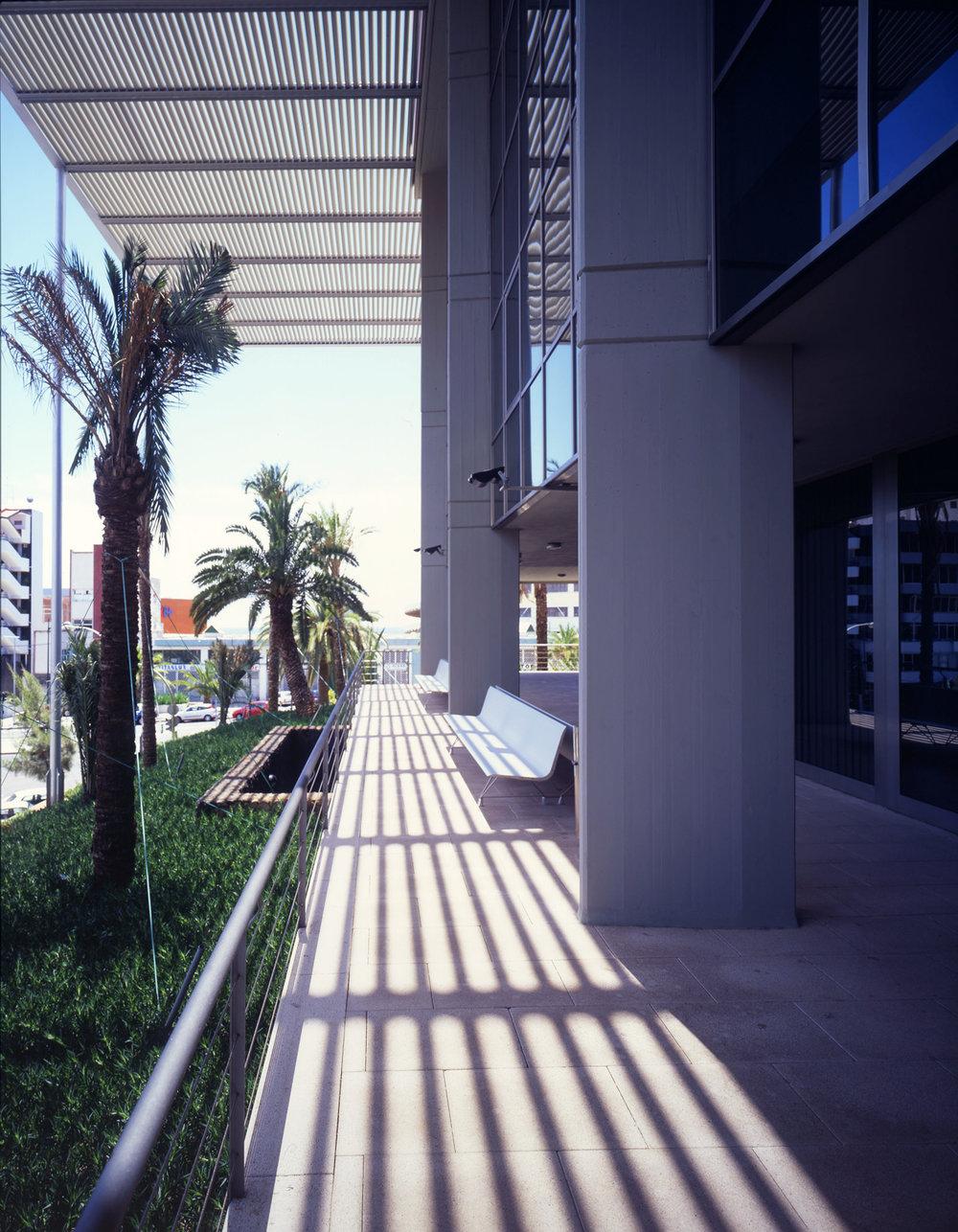 Correa + EstÇvez - Gerencia de Urbanismo Santa Cruz 04.jpg