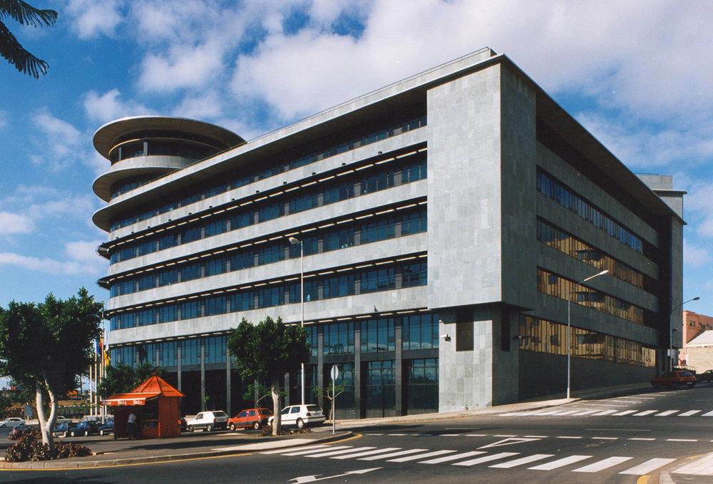 Correa + Estevez Arquitectura - Edificio Multiples 2 - 02.jpg
