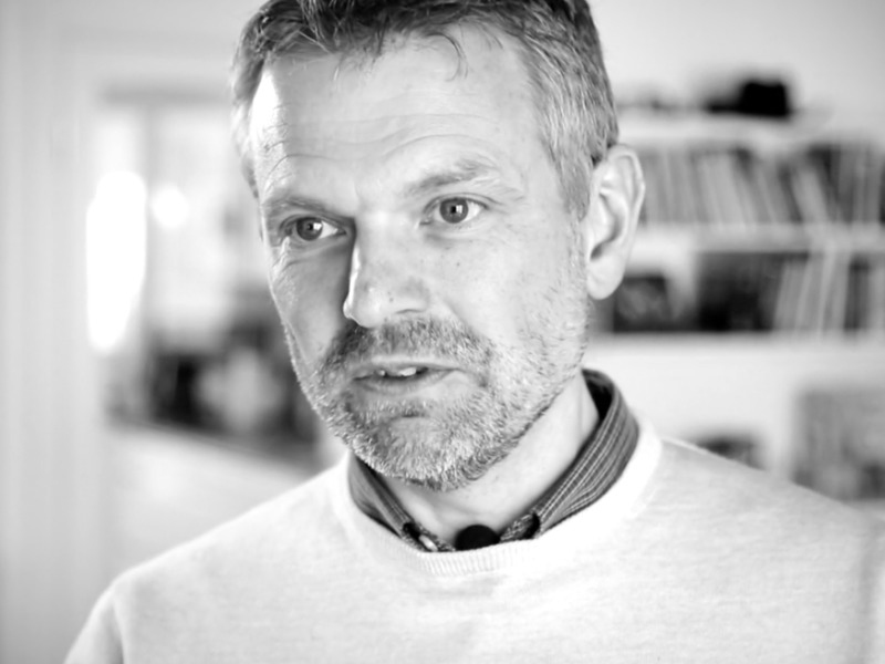 SYMBAL Peter Gustavsson   Vi hittade perfekta lokaler på Skeppsbron 13 i Malmö. Rumrum har varit med oss hela vägen och varit ett värdefullt stöd från val av lokal till bygge och färdig inredning. Att jobba med Rumrum har varit enkelt, roligt och killarna har varit tålmodiga i processen att bolla idéer och få till det så att vi idag sitter i lokaler som verkligen känns Symbal.  Till projektet >>