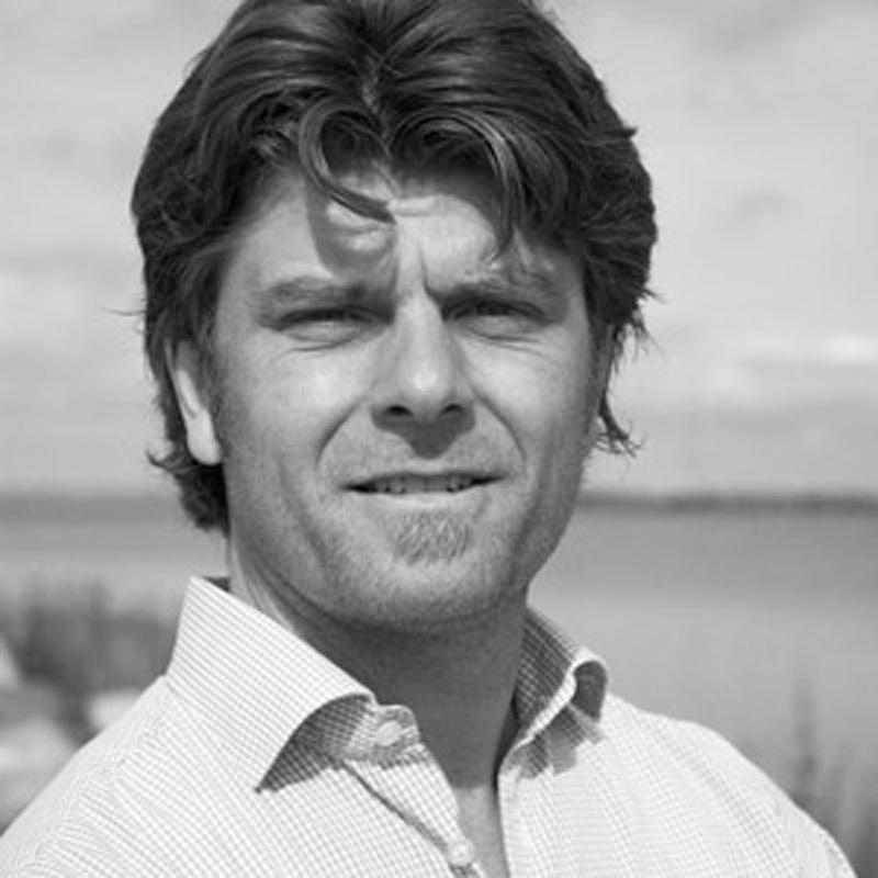 SKÅNSK FÖNSTERMILJÖ Johan Bengtsson Jag kan varmt rekommendera Rumrum till andra företag som vill förändra eller som ska byta lokaler. Jag ger RumRum 5 markiser av 5 möjliga! Till projektet >>