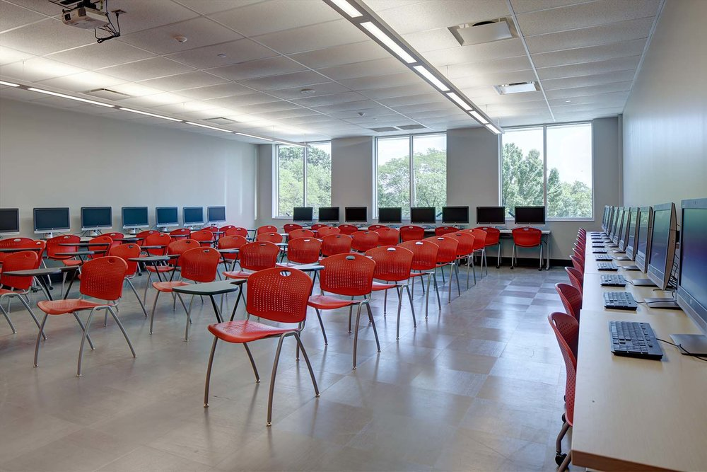 _W1A1389-95 Netta UCC Cranford (Classroom from front to back) lvl5 sm (1).jpg