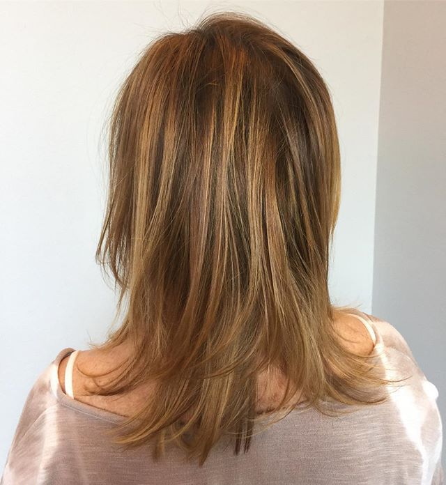 Look 👀!! We colored Shawn's hair longer!  Balancing the existing highlights throughout the top by brightening the back and nape lengths transformed her cut.  Balayage by @jenn_bostrom #salonbellezzabellevue #balayage
