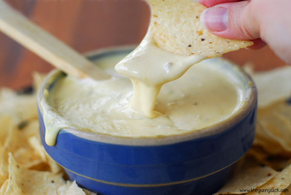 restaurant_queso_dip_recipe.jpg