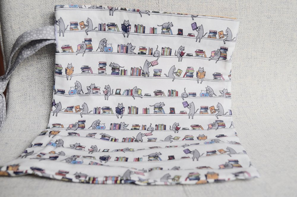Cats & Books drawstring from SewFlo