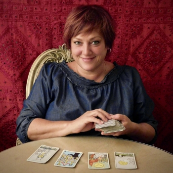 Donna   Donna has been an intuitive Tarot Reader for 20 years. She sees the cards as her tools to spirit, to help guide her clients to their higher good and believes that we all have free will and can change our situation.