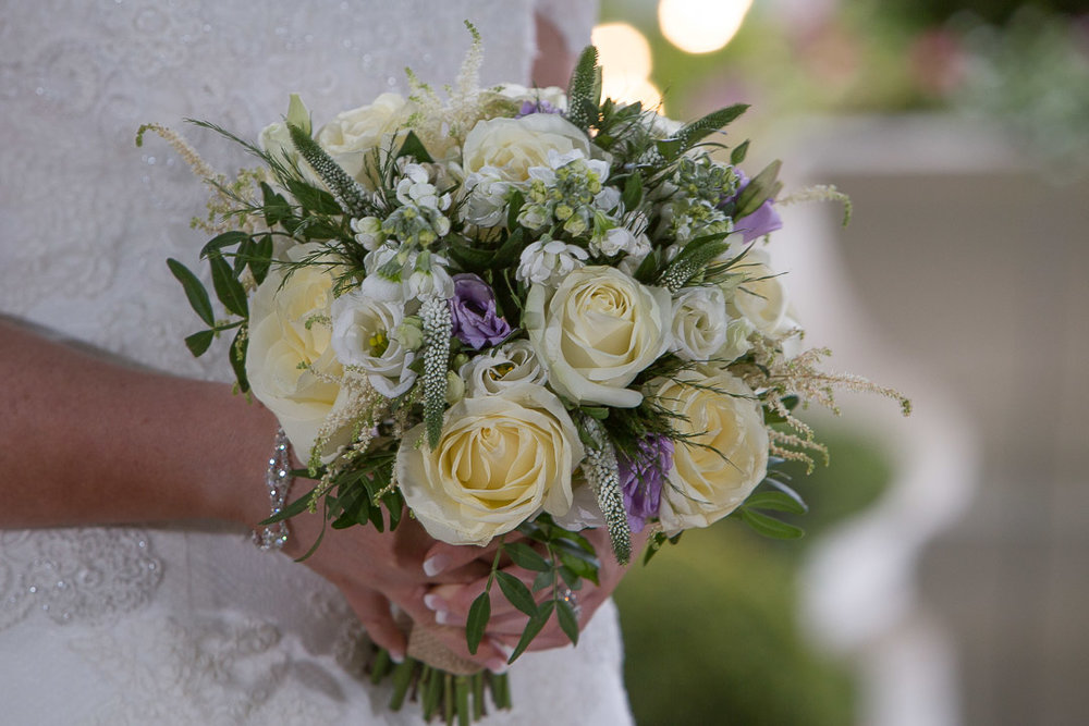 Wedding Bouquet. Flowers Made Easy.