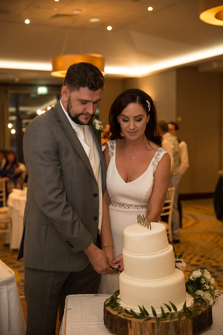 IMG_3107.jpgMichelle & David Radisson Blu hotel & Spa Limerick Wedding reception 4.8.2018. Cutting the cake