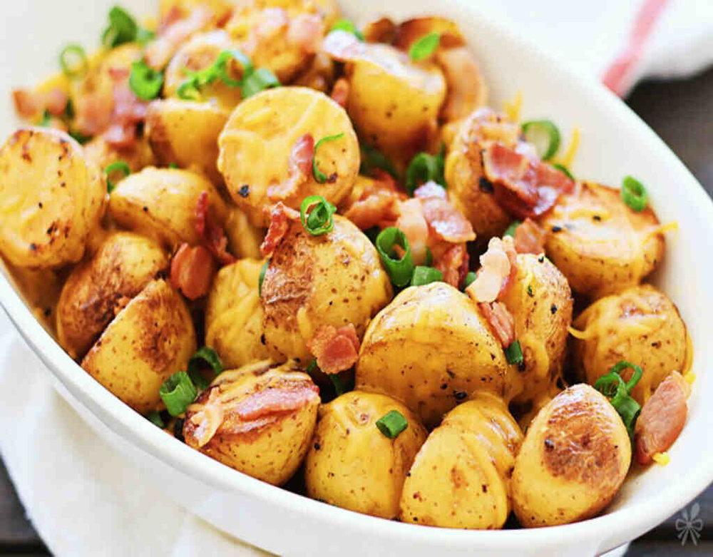 Patate e Bacon con salsa BBQ 6.00€