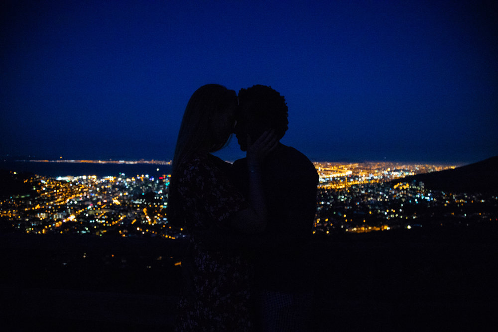 table mountain couples photo shoot-44.jpg