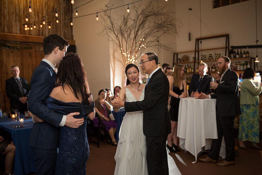 sole repair wedding photos -16.jpg