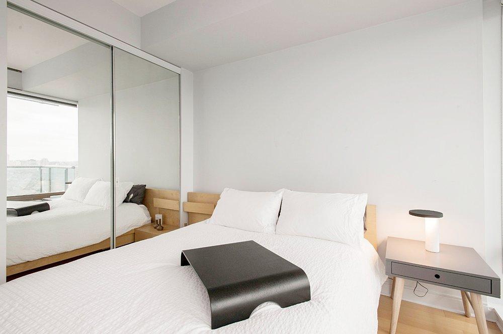 Stunning Yorkville Suite - Bedroom