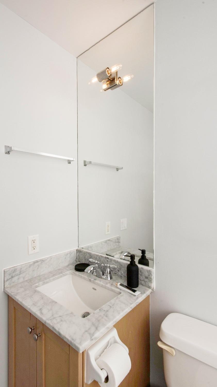 Yorkville Stunning Condo - Bathroom