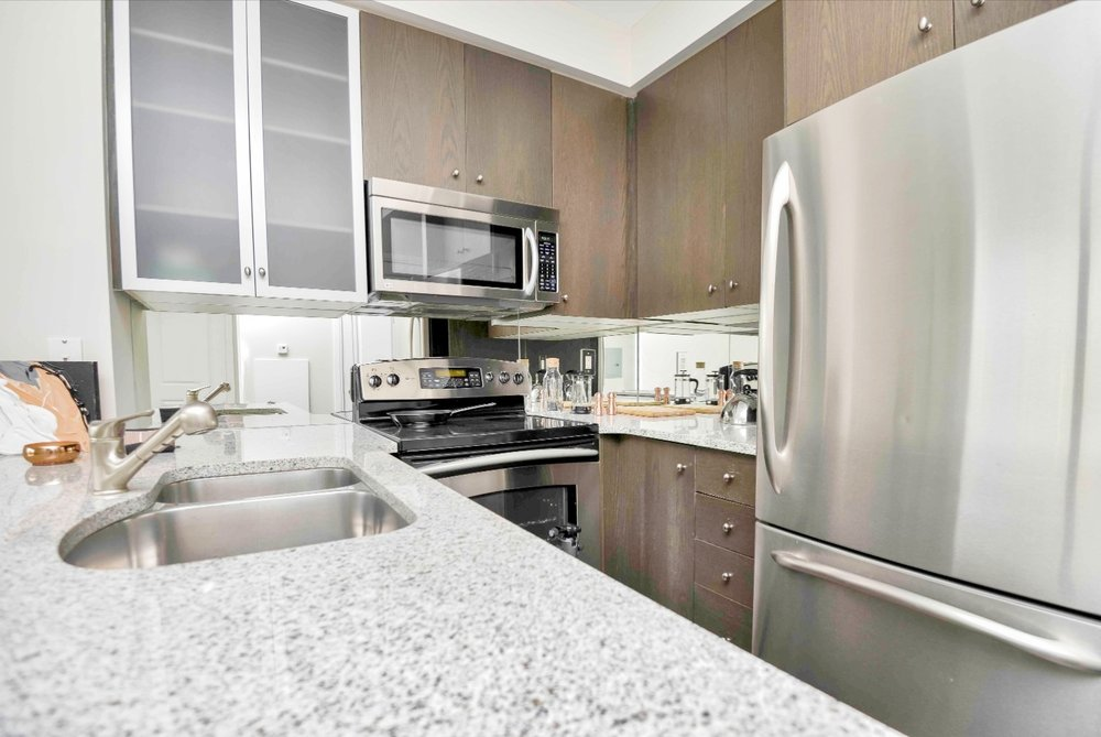 Yorkville Furnished Apartment - Kitchen