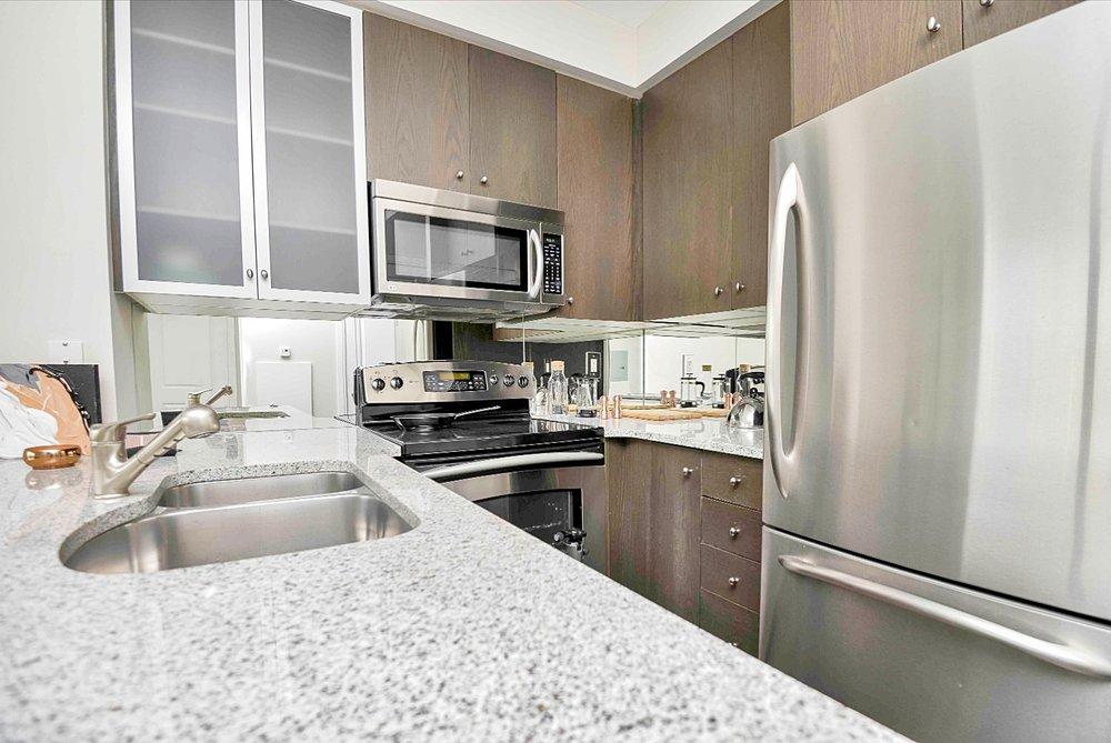 Yorkville Luxury Furnished Rental - Kitchen