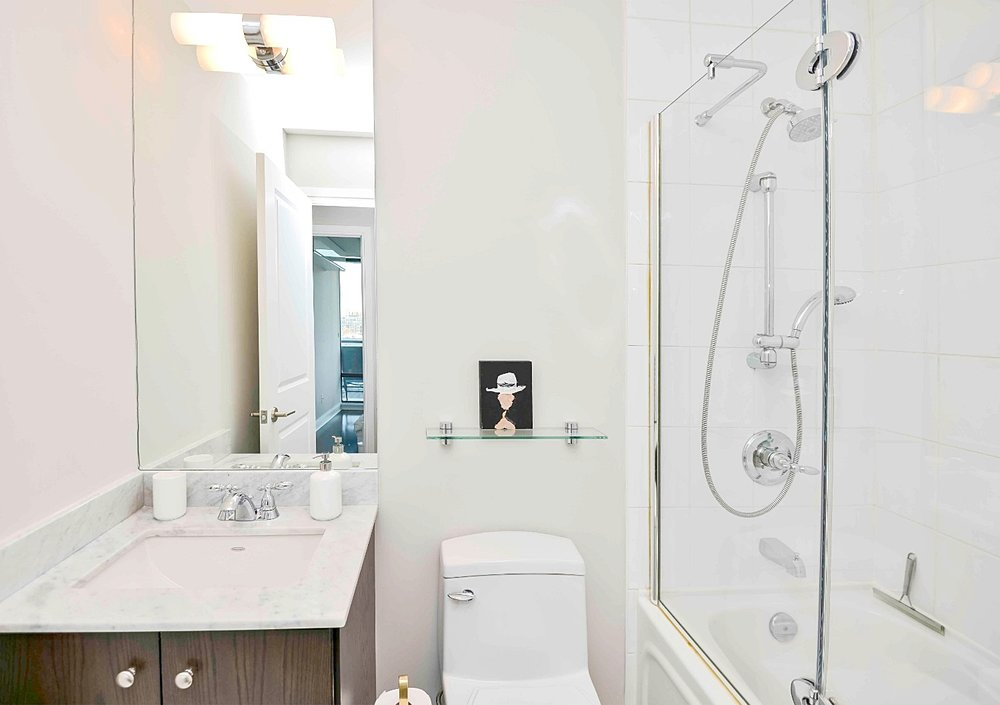 Furnished Apartments Toronto Premium Bathroom