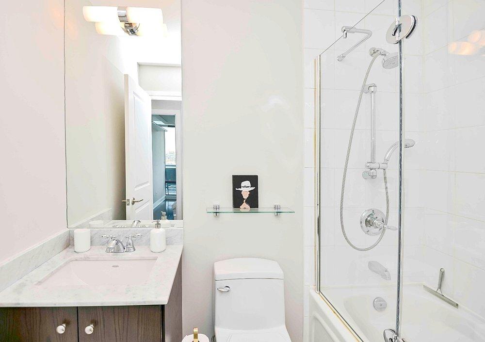 Furnished Apartments Toronto Premium Bathroom