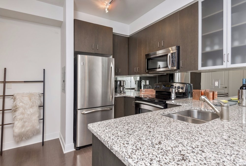 Yorkville Grand Condo - Modern Kitchen