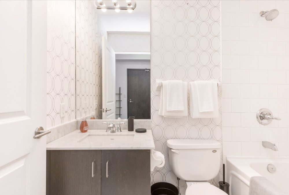 Yorkville Grand Condo - Bathroom, Shower, Bath Tub