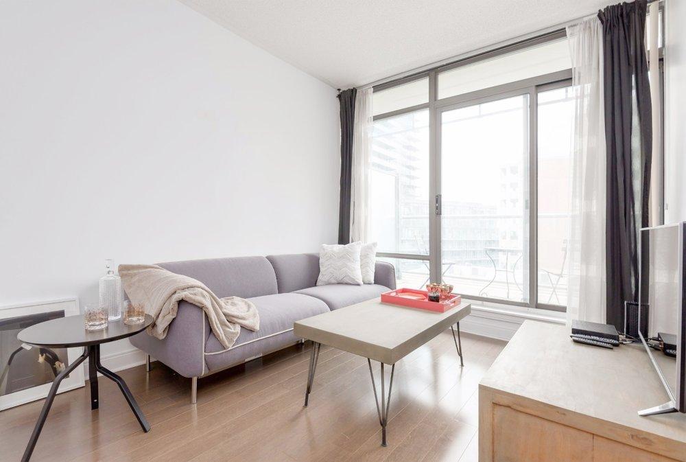 Yorkville Grand Condo - Livingroom