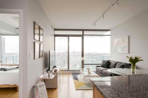 Stunning Yorkville Furnished livingroom.jpg