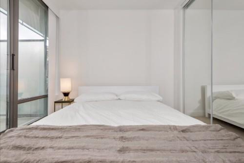 Yorkville deluxe suite bedroom.jpg