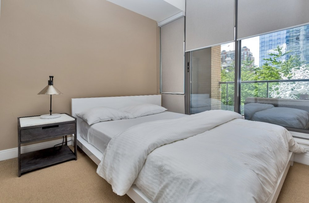 Yorkville Furnished bedroom