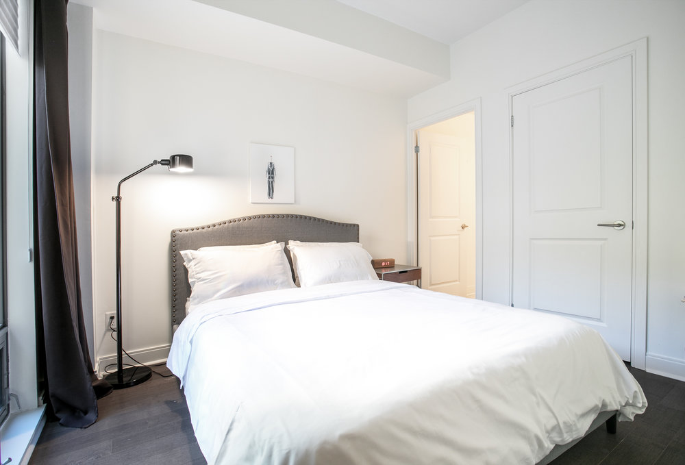 Copy of short term furnished rentals toronto Yorkville bedroom bed