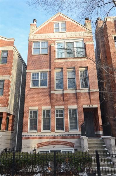SOLD: 3241 N. Seminary #2 $499,000
