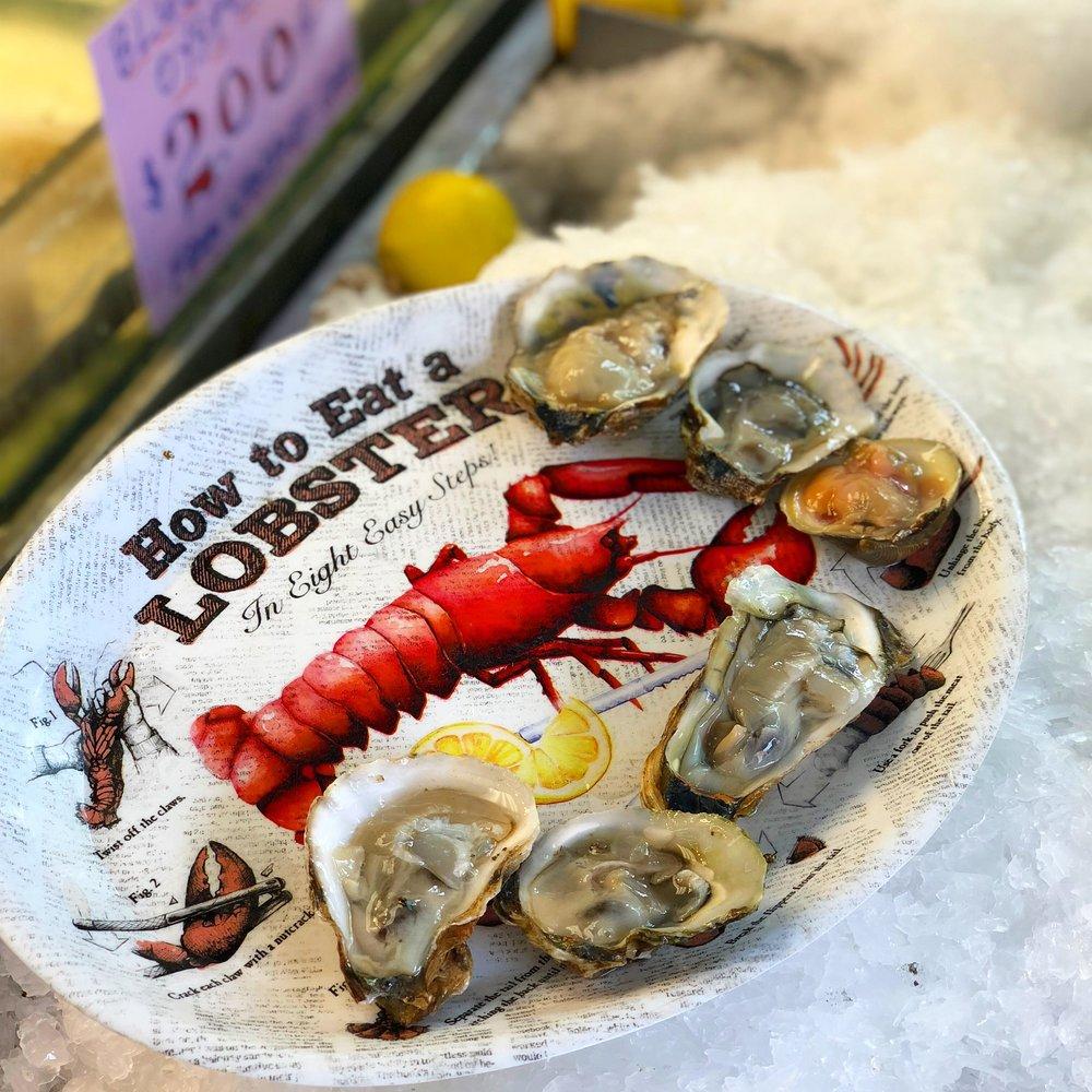 Oysters at Cosenza's sidewalk raw bar